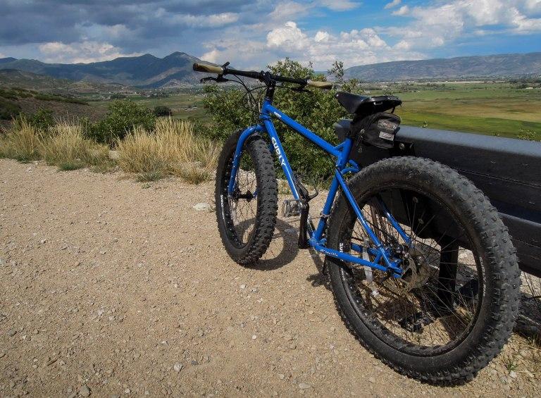I'm loving the blue paint job on this bike
