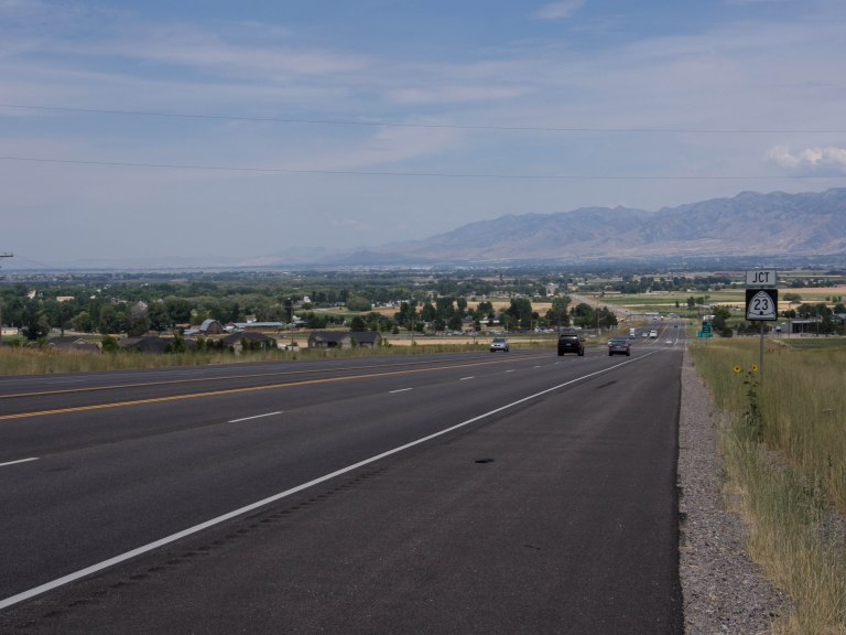 Descending down into Cache Valley.