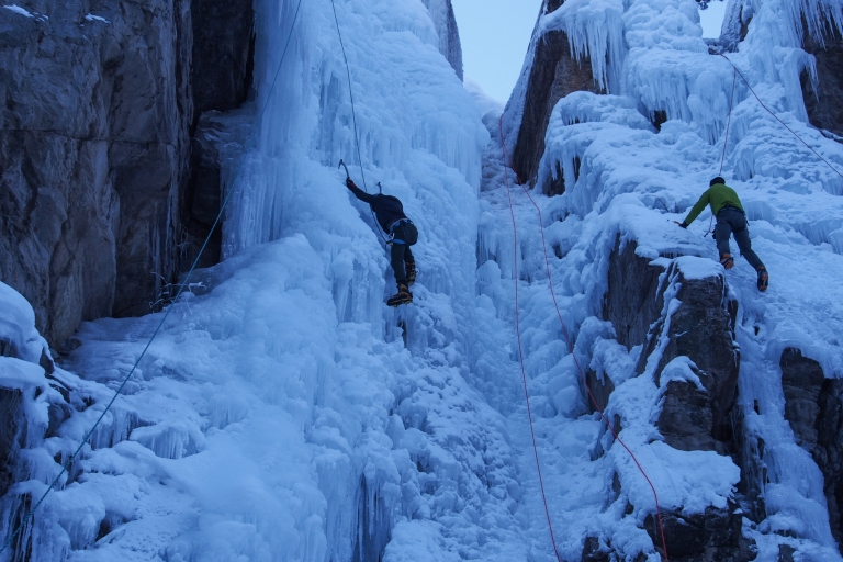 Niels, on the left, climbing a nice line.